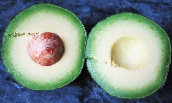 avocado-1328986_1280